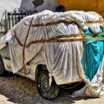 車のカバーは傷がつくって本当?メリット&デメリットを比較!